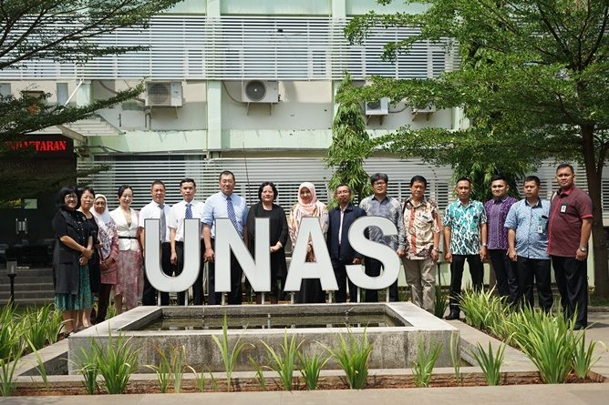 kunjungan delegasi Guangxi University for Nationalities, China ke UNAS, pada selasa, (27/8) di ruang rapat unas 108.