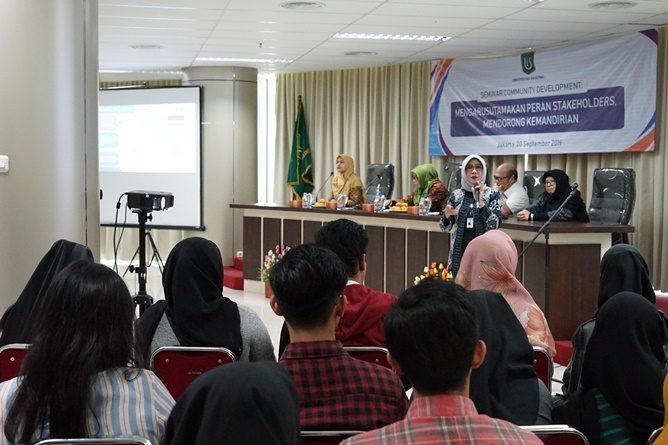 """Seminar Community Development """"Mengarusutamakan Peran Stakeholder s, Mendorong Kemandirian"""""""