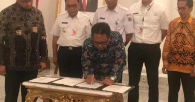 MoU tentang Pembinaan dan Pengembangan Pariwisata Kota Adm. Kepulauan Seribu DKI Jakarta di Balairung Balaikota, 04 Desember 2019