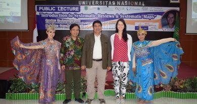 Kuliah Umum Oleh Dr. Jacqualyn Eales