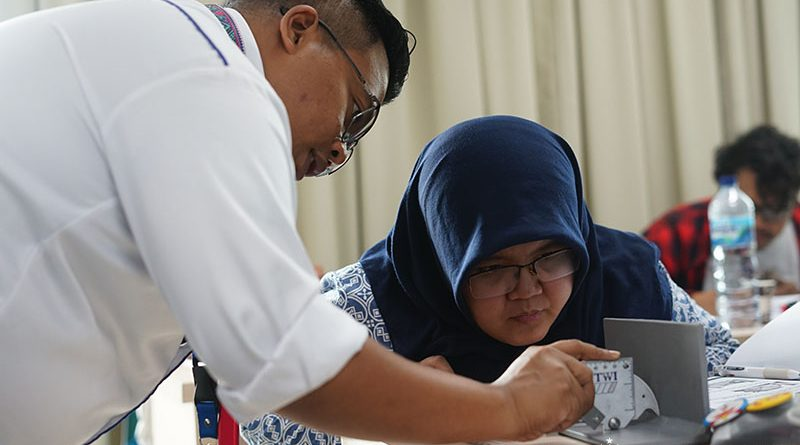 Instruktur mengajarkan cara pengukuran kepada peserta pada pelatihan CSWIP 3.0 di gedung menara II Unas, Ragunan, Selasa 29 Oktober 2019