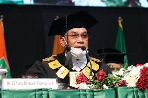 Rektor Universitas Nasional, Dr. El Amry Bermawi Putera, M.A. dalam wisuda program Pascasarjana, Sarjana, dan Diploma periode II tahun akademik 2019/2020 pada Sabtu dan Minggu (28-29/11)