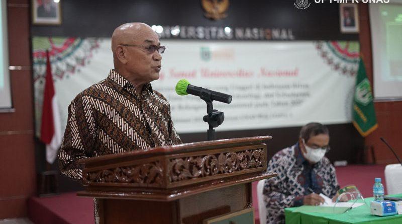Rektor Universitas Nasional Dr.Drs. El Amry Bermawi Putera, M.A. saat membacakan laporan akuntabilitas kinerja periode 2017-2021