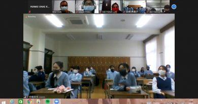 Pererat Hubungan Indonesia dan Jepang Melalui Diskusi Mahasiswa Sastra Jepang UNAS dengan Obayashi Sacred Heart School