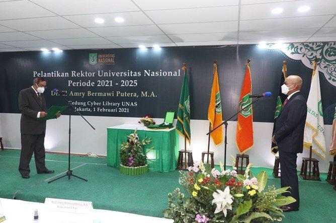 Pelantikan Rektor Universitas Nasional Periode 2021-2025 Dr. El Amry Bermawi Putera, M.A, yang digelar di gedung cyber library UNAS, Senin (1/2).