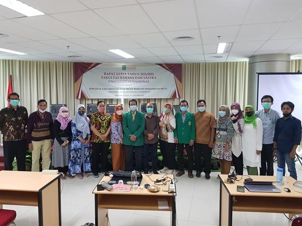 Foto Bersama Anggota Struktural RAKER Tahunan FBS 2021
