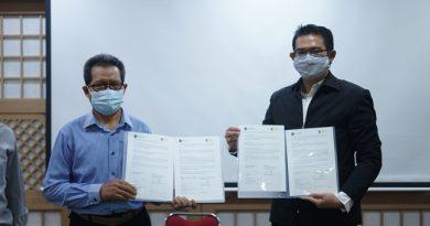 Penandatanganan Nota Kerja Sama antara Fakultas Bahasa dan Sastra UNAS dengan Hankuk University Of Foreign Studies Korea